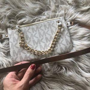 ✨NWOT Michael Kors white monogrammed belt bag